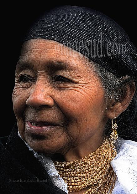 Portrait de femme des Andes, peuples indigènes Quechua d'Equateur