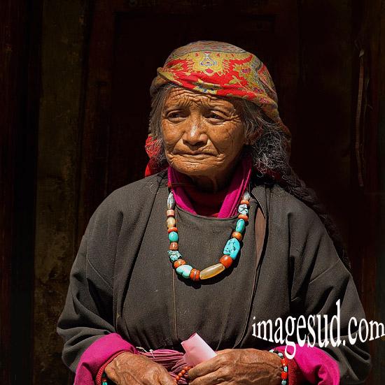 Portrait de femme du Ladakh, Himalaya, Inde