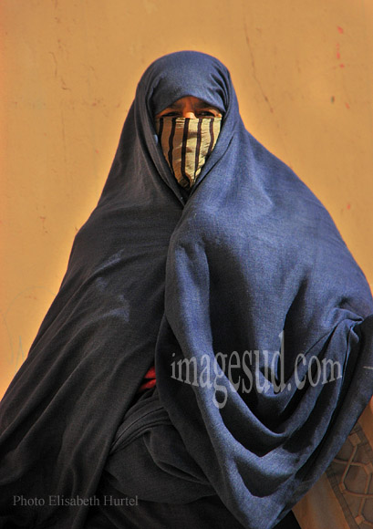 Femme voilée, Maroc