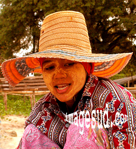 Femme de Thaïlande, peuple nomade des mers, portrait