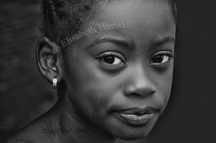 Portrait d'une petite fille africaine, n2118-nb