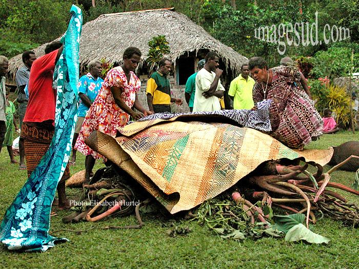 Artisanat de femmes : nattes d'Océanie