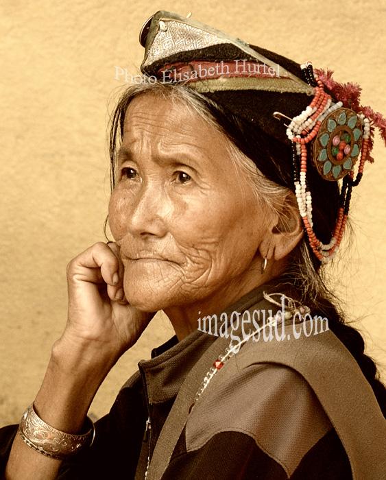 Portrait de femme indigène, Népal
