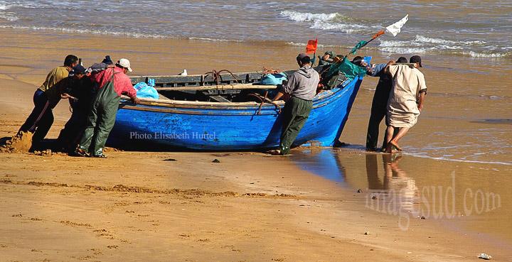 Maroc : Départ pour la pêche, cote Atlantique