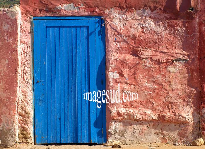 Couleurs du Maroc: bleu et rose fraise écrasée