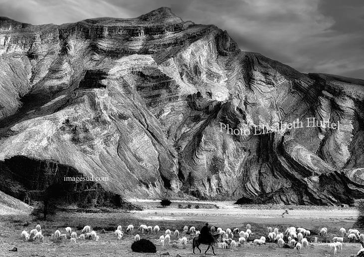 Au Maroc, paysage noir et blanc