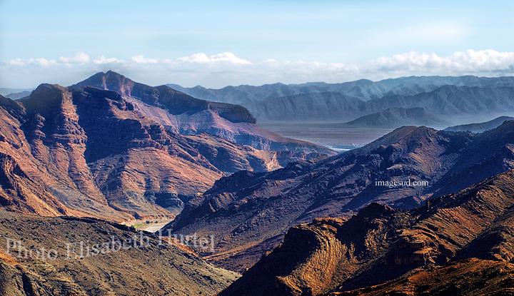 Paysage minéral des montagnes de l'Anti-Atlas