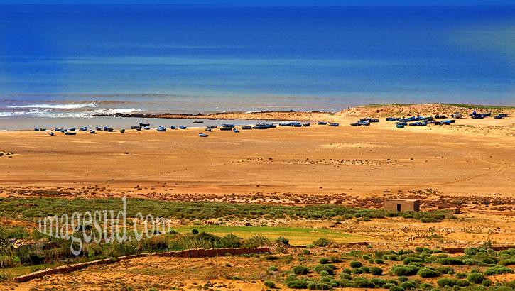Paysage marin : petit port naturel de la côte atlantique au Maroc
