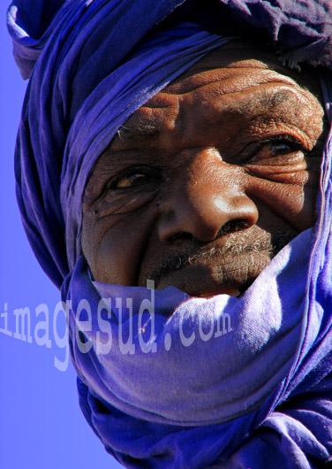 Portrait d'homme en bleu du désert, Maroc du Sud