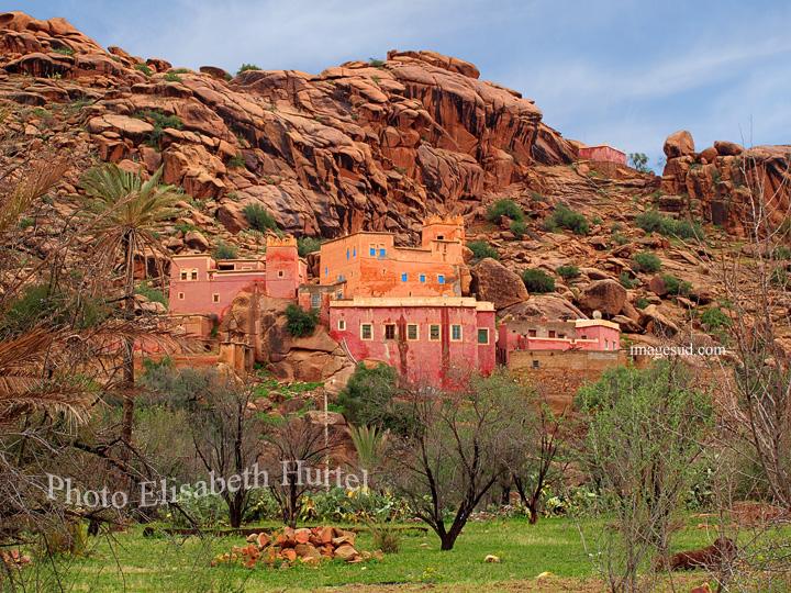 Grès rose et maisons roses: Tafraoute au maroc