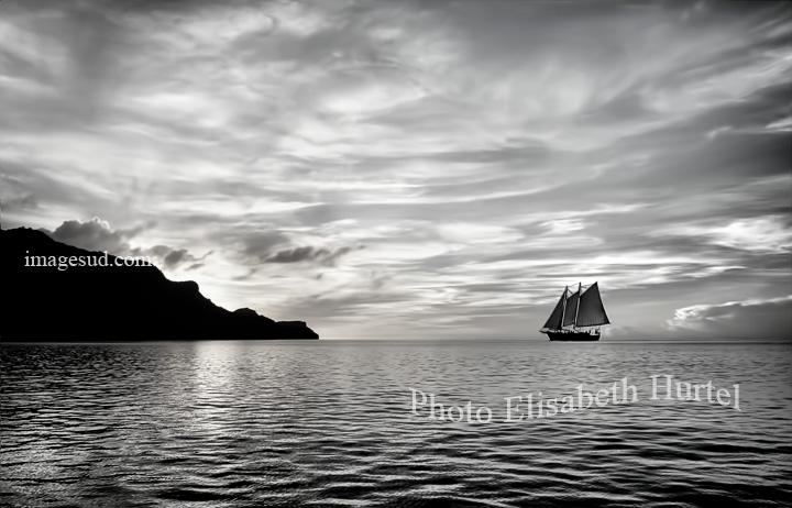 Payage marin en noir et blanc