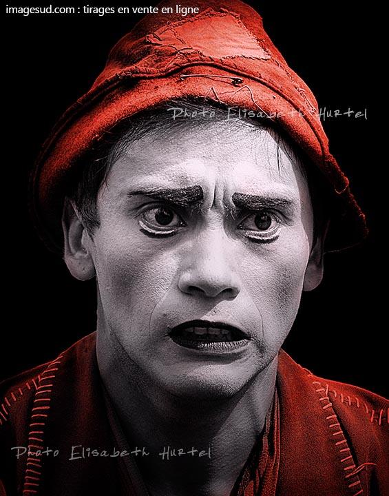 portrait-n9723-noir-blanc-rouge