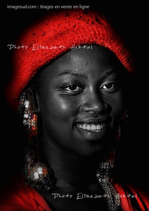 portrait-p8071-noir-blanc-rouge