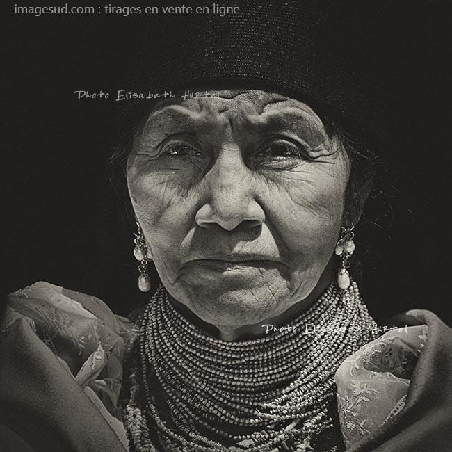 Portrait d'une indigène des Andes, noir et blanc