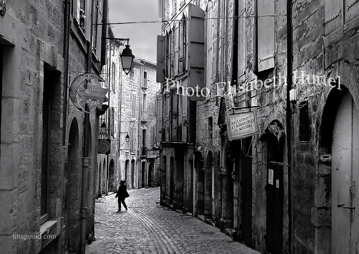 rue-village-france-5713-photo-noir-et-blanc