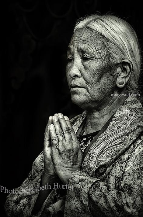Tibet en noir et blanc : puja