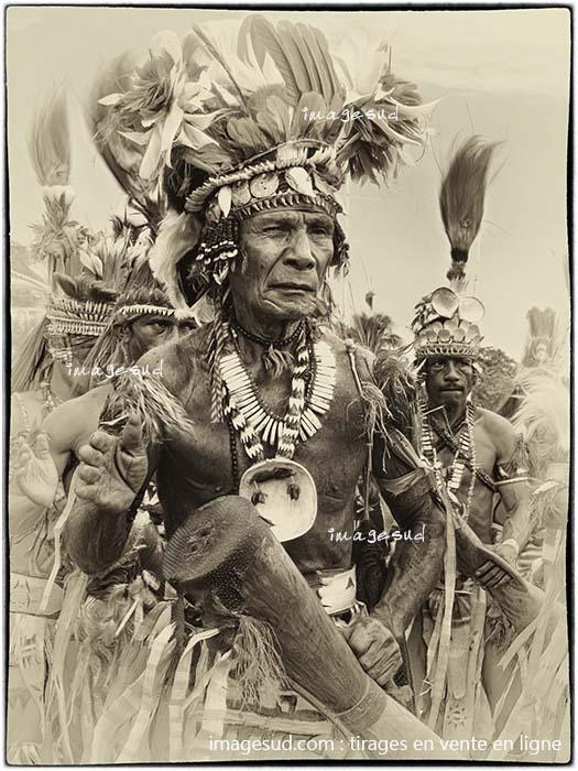 Peuples indigènes autochtones : photo ancienne de Papouasie-Novelle-Guinée