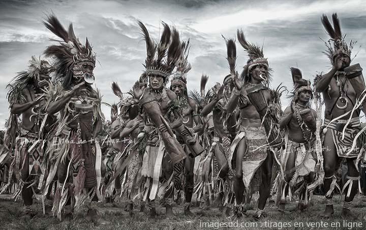 Série photos de peuples premiers autochtones : Papouasie-Nouvelle-Guinée, vintage sepia