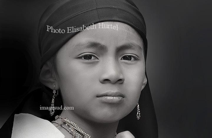 Portrait d'une jeune fille des Andes, noir et blanc