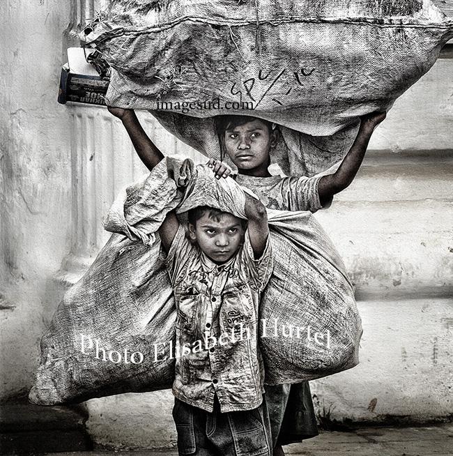 Enfants des rues, Inde, photo noir et blanc