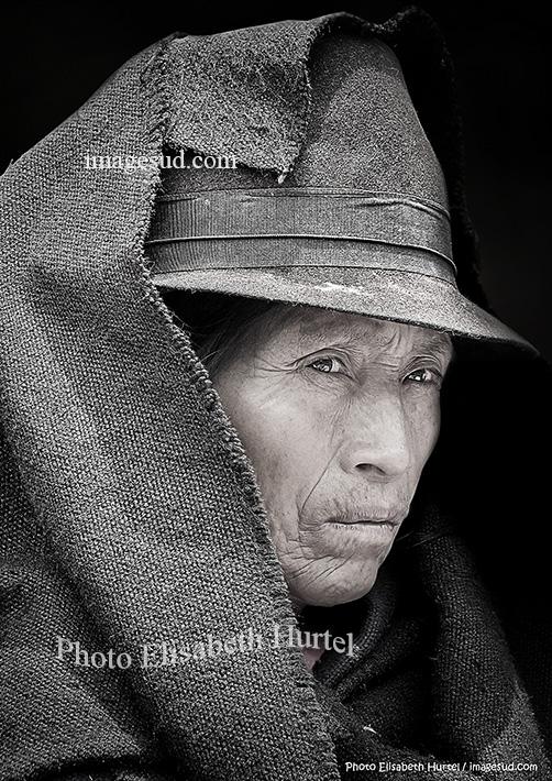 Portrait de femme des Andes noir et blanc