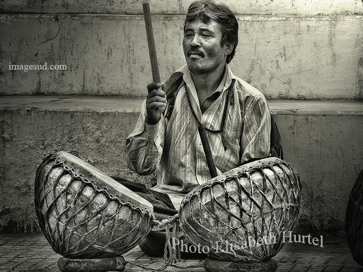 Musique en noir et blanc : percussions, Inde