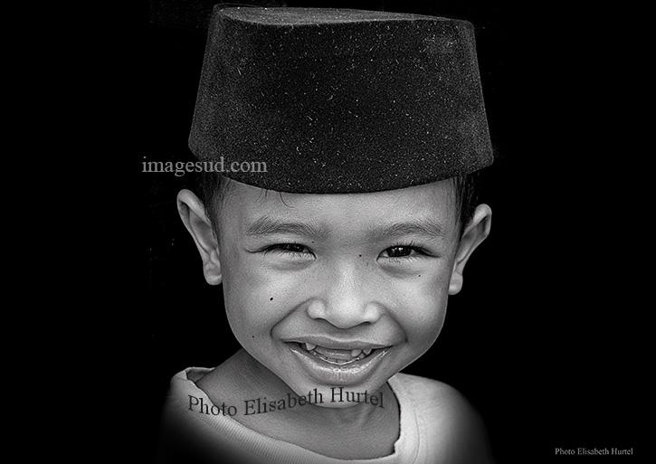 Enfant d'Indonésie, portrait en noir et blanc
