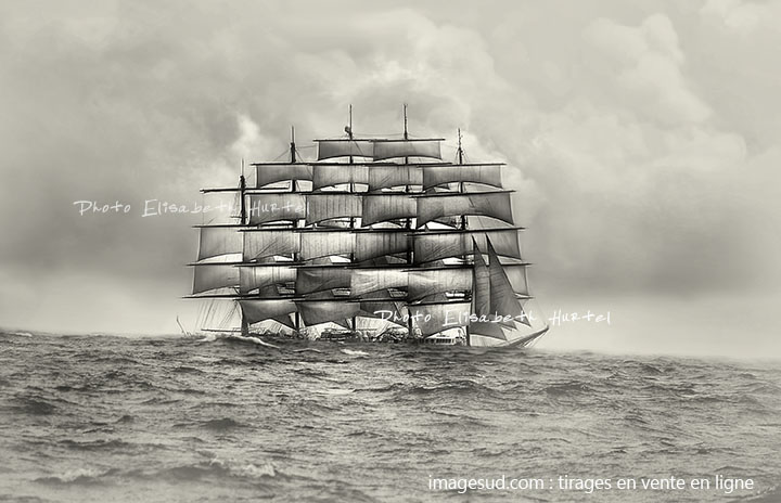 série mer et bateaux : Grand voilier dans la houle du large
