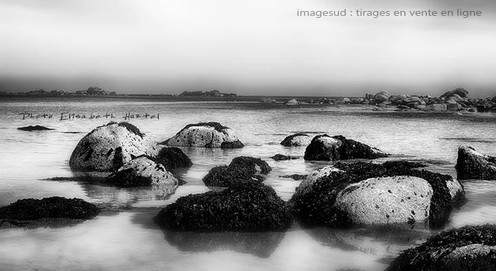 Paysage marin en noir et blanc