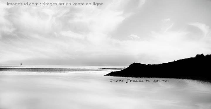 Mer et nuages, photo minimaliste en noir et blanc