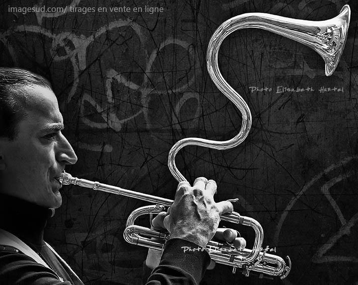 Musique insolite en noir et blanc