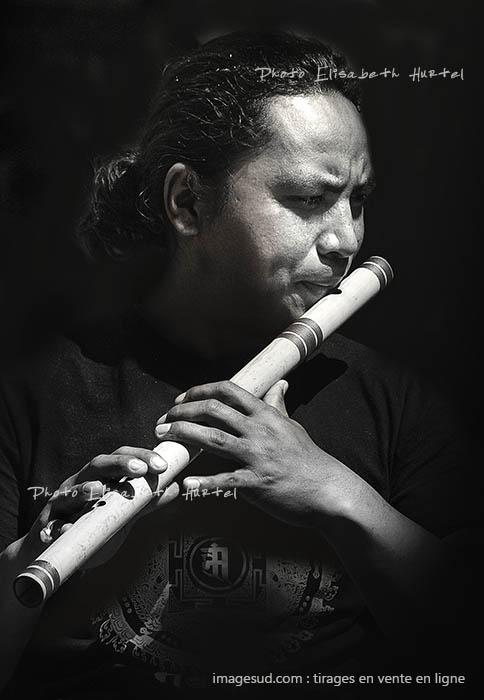 Le Flutiste, photos de musique en noir et blanc