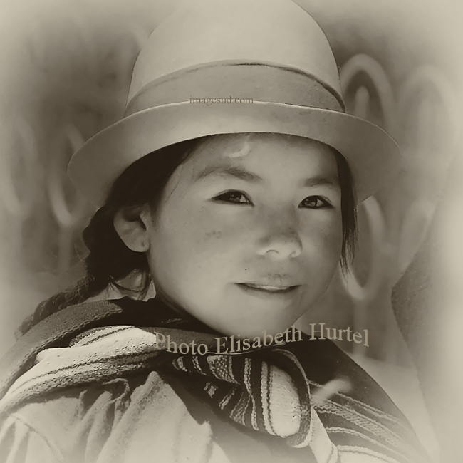 Portrait de petite fille des rues, Bolivie, photo vintage sepia