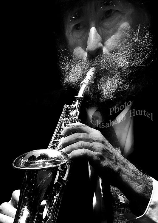 Le saxophoniste, portrait en noir et blanc