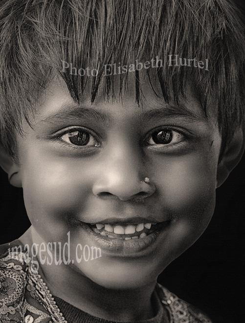 fillette-nepal-portrait-sur-toile