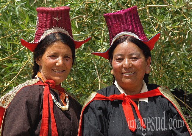 Femmes du Ladakh en habits traditionnels