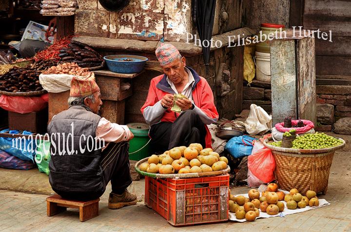 Scene de rue à Katmandou, Durbar square. Street scene in Kathmandu