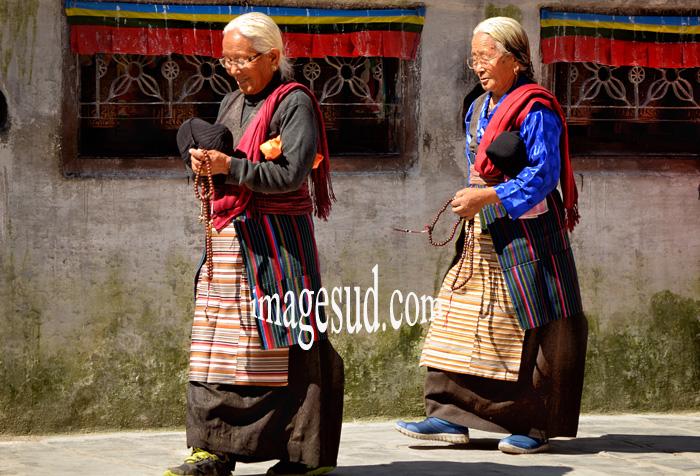 Refugiées Tibetaines, Bodhnath stupa, Nepal. Tibetan refugees, Nepal