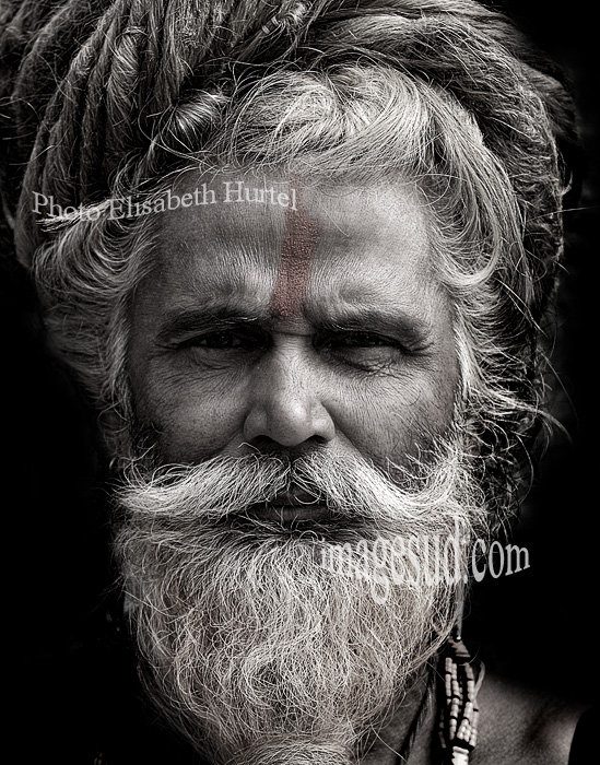 Nepal : portrait d'un Dadhu. Sadhu, portrait black and white, Nepal