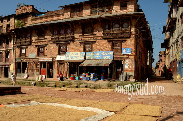 Nepal : village de Sankhu, avant le tremblement de terre. Nepal : Sankhu village bedore the earthquake.